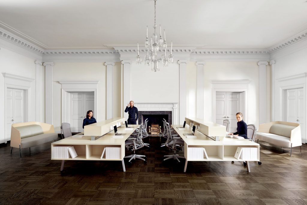 High-Traditional-Space-Contemporary-Office